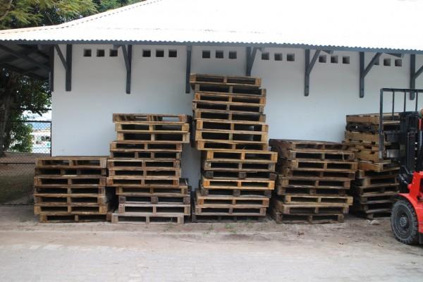 drewniane palety 2